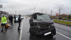 Aksarayda minibüs TIRa çarptı: 2si çocuk, 6 yaralı