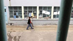 Son dakika haberler... Adalet Bakanlığı cezaevlerinde alınan tedbirlerin süresini 2 hafta uzattı