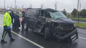 Aksarayda minibüs ile tır çarpıştı: 6 yaralı