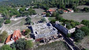 Koronavirüs tedbirleri kapsamında antik kent ziyarete kapatıldı
