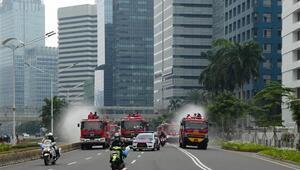 Endonezyanın başkenti Cakartada koronavirüs nedeniyle ilan edilen acil durum uzatıldı