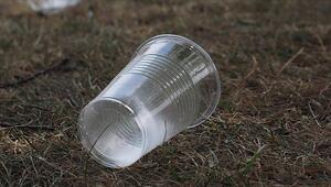 Koronavirüs plastik kullanımını artırdı: En çok bardak tercih ediliyor