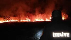 Burdur Gölünde sazlık yangını