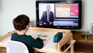 MEB, EBA'da canlı sınıfla eğitime hazırlanıyor