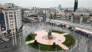 İstanbullular #EVDEKALdı Meydanlar boş kaldı
