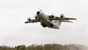Alman askeri uçakları Fransa'dan hasta taşıdı