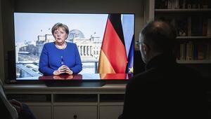 Telefonu Merkelin yüzüne kapattı Başbakanlık arayınca...