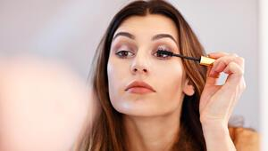 Kadınlara Göz Çevresine Yönelik Makyajlara Ara Verin Uyarısı