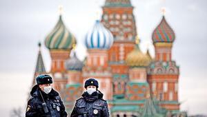 Moskova'da yasağa uymayana yüklü ceza