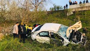 Samsunda otomobil boş araziye uçtu: 3 yaralı