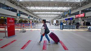 Antalya Havalimanında apron boşaldı, uçaklar parka çekildi