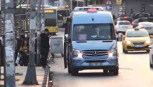 Esenyurtta yüzde 50 denetimi... Fazla yolcu alan minibüs sürücülerine ceza kesildi