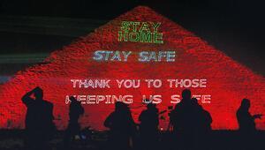 Piramitte 'Evde kal' mesajı