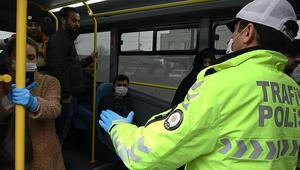 İstanbulda polis denetim yaptı Uyarıları dinlemediler, kimlikleri şaşırttı