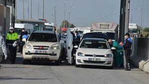Adanada otoyolda koronavirüs denetimleri artırıldı