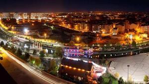 Sivasta Atatürk Caddesi araç ve yaya trafiğine kapatıldı