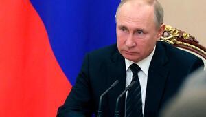 Putin, Kovid-19 önlemleri kapsamında idari izinleri 30 Nisan'a kadar uzattı