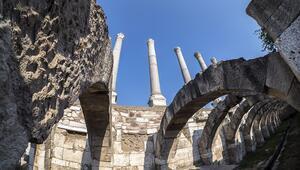 İzmirin kent merkezindeki 1800 yıllık Tarihi Agora