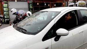 Kuşların camını kirlettiği otomobiliyle trafiğe çıkan sürücüye ceza