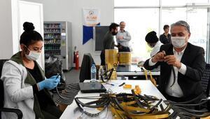 Muratpaşa 13 bin 850 siperlikli maske dağıttı