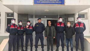 Manyasta lise öğretmenleri yüz koruyucu siper maske üretti
