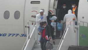 Corona Virüsü nedeniyle Kuveyt'te çalışan 343 Türk işçi Türkiyeye getirildi