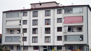 Elazığda 5 katlı apartman, karantinaya alındı