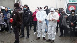 Hollandada öldürülen kadın, 2 çocuğu ve kayınvalidesi toprağa verildi