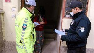 Hisarcıkta sosyal yardım ödemeleri evlerde teslim ediliyor
