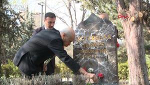 MHP lideri Bahçeli, vefatının 23üncü yılında Alparslan Türkeşin mezarını ziyaret etti