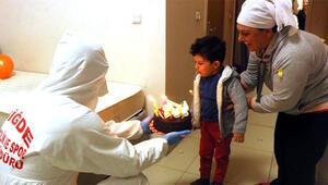 Karantinadaki Mehmete 4 yaş sürprizi