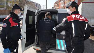 Yasağa uymayan 20 yaş altındaki gençler polise yakalandı