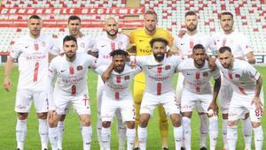 Antalyaspor Tamer Tuna ile yükselişe geçti