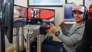 Milli otomobil yarışçısı Ayhancan Güven, simülasyon yarışında zirvede