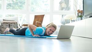 Evde Kalın Ama Hareketsiz Kalmayın İşte Evde Yapılabilecek Egzersizler...