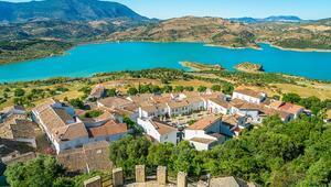 Tüm İspanya bu kasabayı konuşuyor Corona virüsün uğramadığı tek yer, nedeni ise...