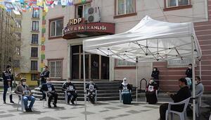Diyarbakırda HDP önündeki eylemde 217nci gün