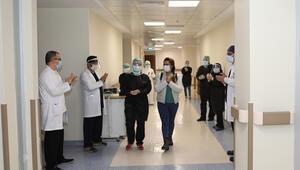 Tokatta corona virüs tedavisi biten hemşire alkışlarla taburcu edildi