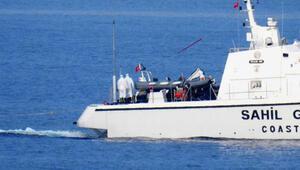 Yunan askeri, göçmenleri yakıtını alarak deniz ortasında bıraktı