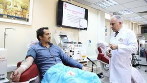 Son dakika... Corona Virüsü yenen doktor, ilk gönüllü plazma bağışçısı oldu