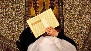 Berat Kandilinde dualar evlerden yükseldi