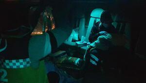 Riskli doğum yapan kadının imdadına polis helikopteri yetişti