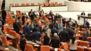Mecliste MHP ve HDPli vekiller arasında gerginlik çıktı