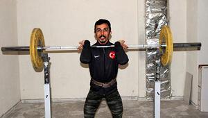 Milli halterci Muammer Şahin: Olimpiyatlara evimin sığınağında devam ediyorum