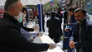 Vatandaşlara ücretsiz maske dağıtımı