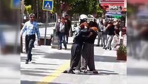 Dilencilerin kavgasını polis biber gazıyla ayırabildi