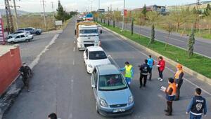 Şanlıurfa'da sürücülere maske dağıtıldı