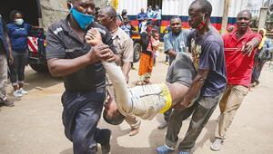 Kenya'da yardım kuyruğunda izdiham
