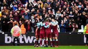 West Ham Unitedda futbolcular ve teknik heyet, maaş ertelemesini kabul etti