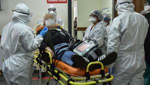 Acil servis çalışanlarının koronavirüs nöbeti O anları DHA görüntüledi…